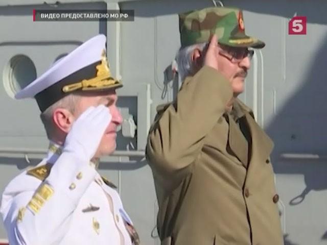 Командующий ливийской армией посетил авианосец «Адмирал Кузнецов»