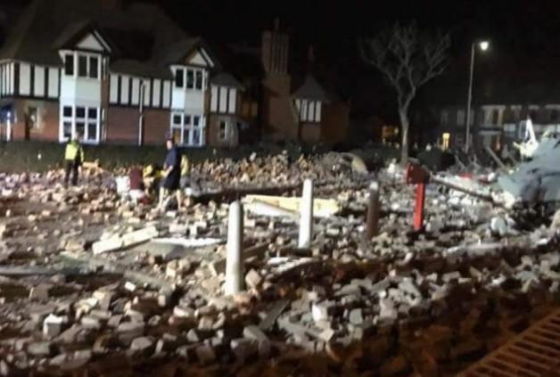 100 человек пострадали врезультате взрыва вВеликобританииФОТО