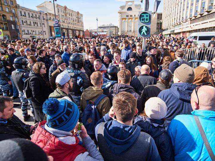 Дело оранении полицейского вМоскве передали вцентральный аппарат СК