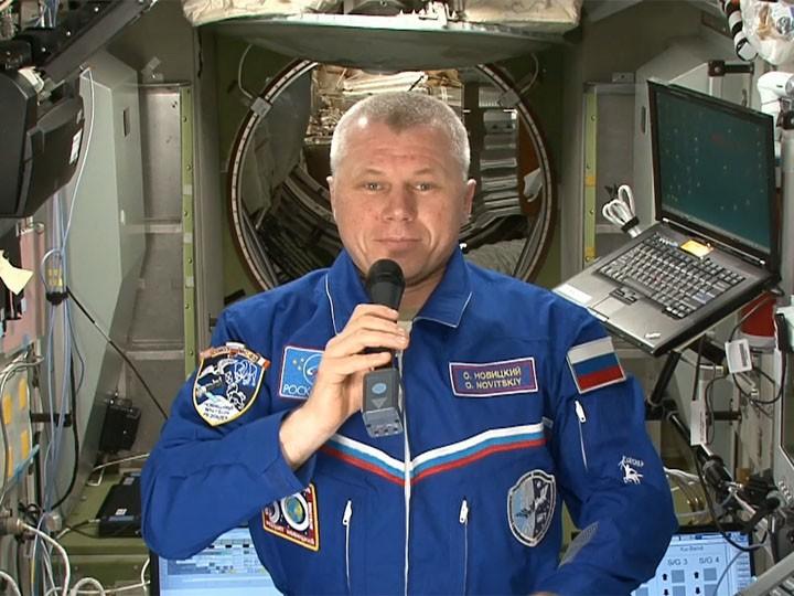 «Звезды станут ближе»— землян поздравили сДнем космонавтики сМКС ВИДЕО