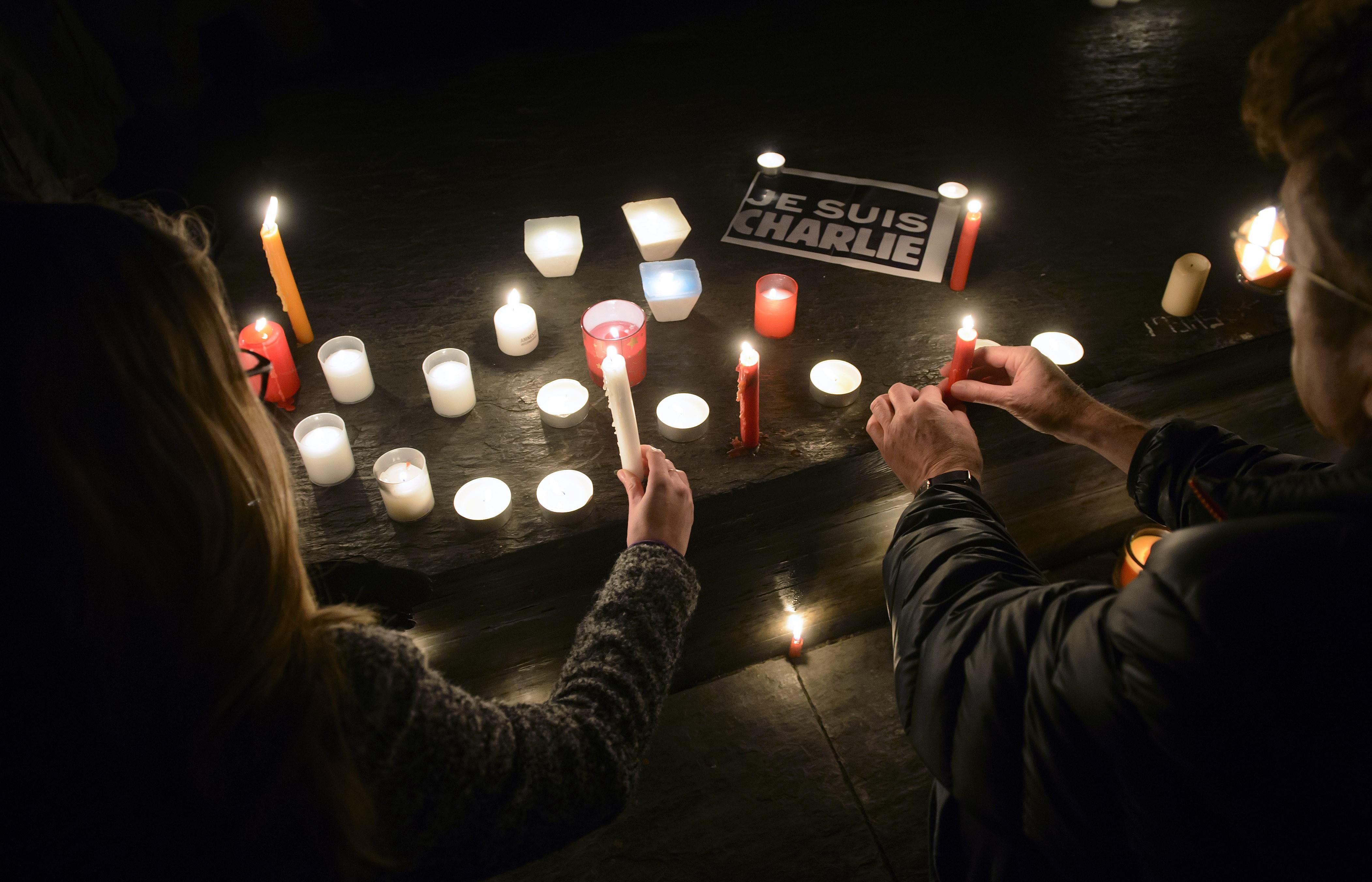 ВБельгии иФранции прошли задержания поделу отеракте вредакции журнала Charlie Hebdo
