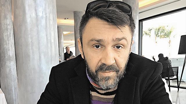 Сергей Шнуров написал стихотворение опрезидентских выборах воФранции