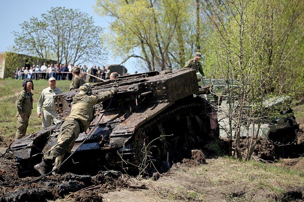 Воронежские поисковики обнаружили боевую технику времён втор.