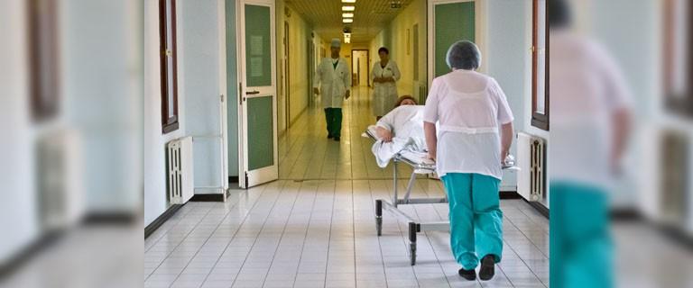 Один из родителей может находиться в больнице вместе с ребенком в течение