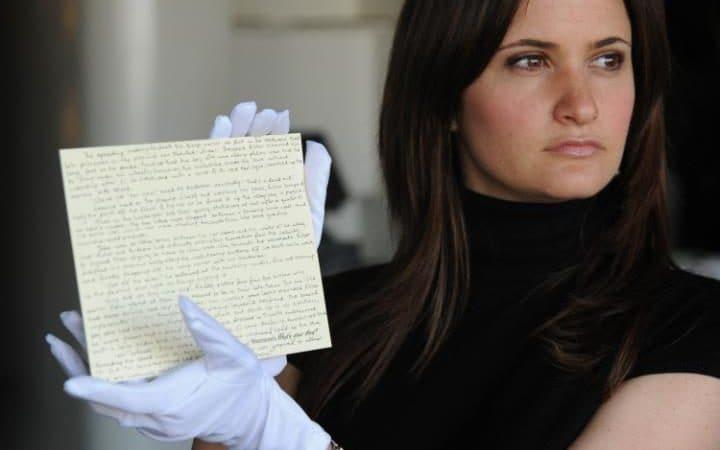Джоан Роулинг советует фанатам непокупать украденную рукопись приквела «Гарри Поттера»
