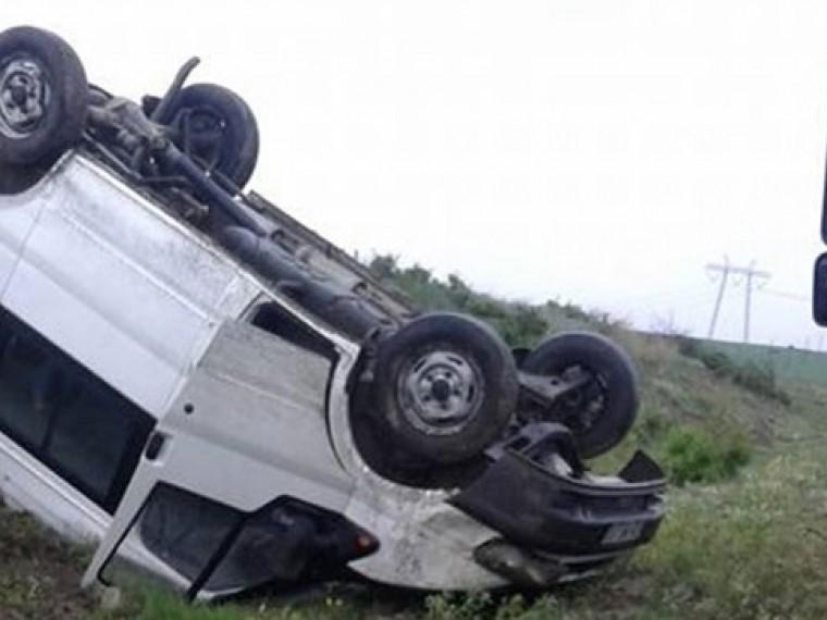 ВТурции перевернулся автобус состудентами. 13 человек ранены