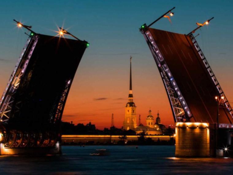 ВПетербурге стартует звуковое шоу «Поющие мосты»