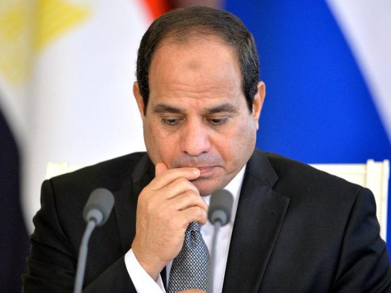 Президент Египта экстренно созвал Нацсовет после атаки нахристиан