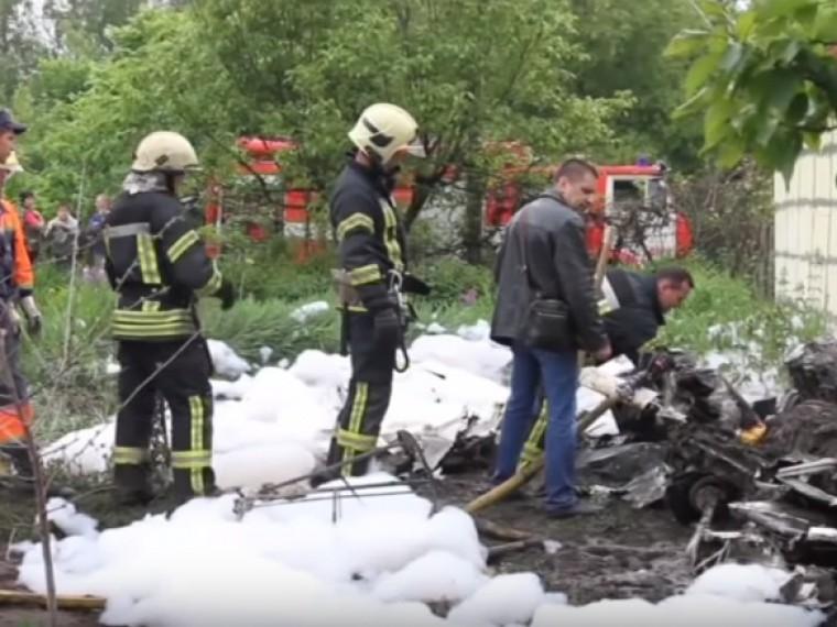 Под Черниговом самолет упал нажилой дом