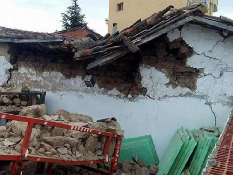 Землетрясение вТурции: разрушено35 жилых домов