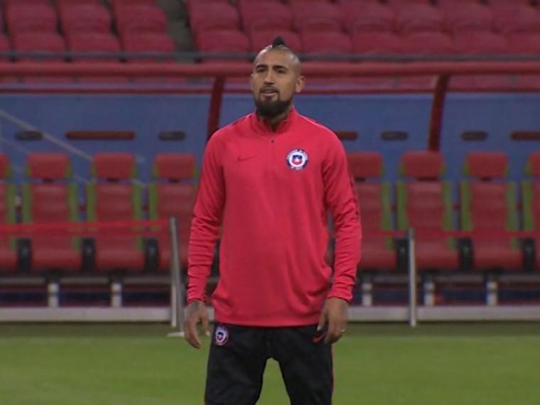 Матч сГерманией будет зрелищным, пообещал полузащитник Видаль после тренировки сборной Чили вКазани