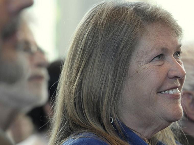 ФБР начало расследование: супругу Берни Сандерса заподозрили вмошенничестве