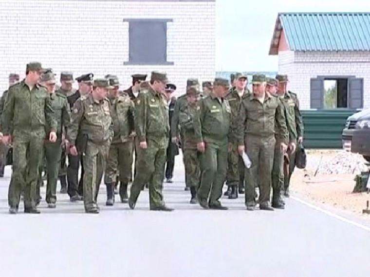 Сергей Шойгу провел оперативные сборы командного состава вооруженных сил наполигоне Мулино