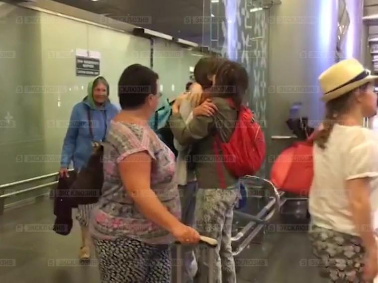 ВМоскву после трехдневной задержки вернулись российские туристы изБодрума