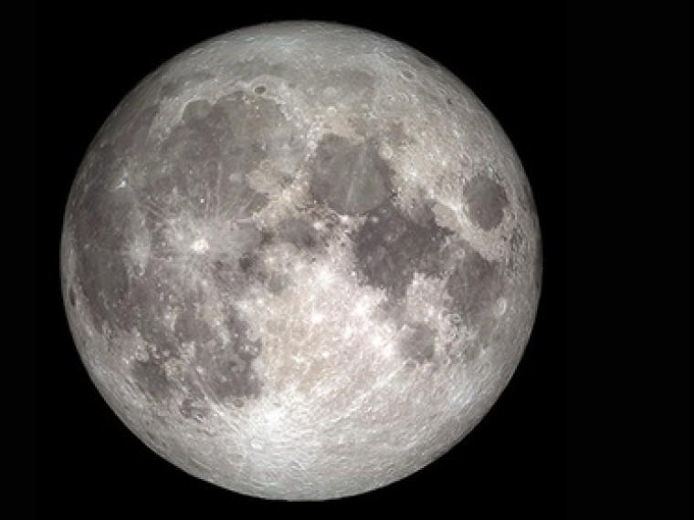 Очередная загадка Луны— ученые обнаружили напланете воду неизвестного происхождения