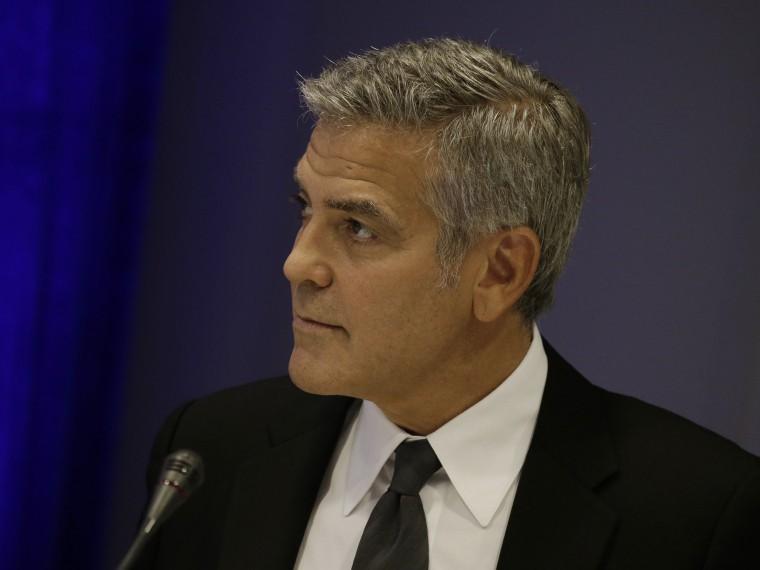Джордж Клуни собирается подать нафранцузский журнал всуд