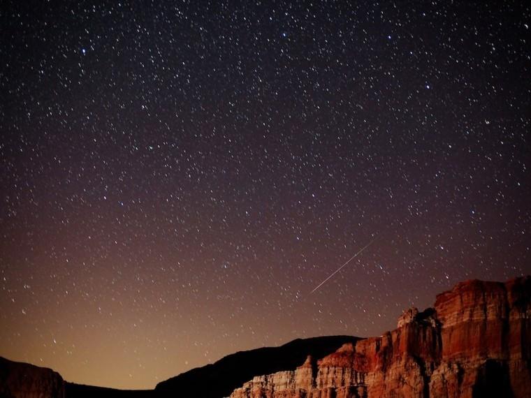 Красивейший звездопад наблюдают жители планеты— прямая трансляция