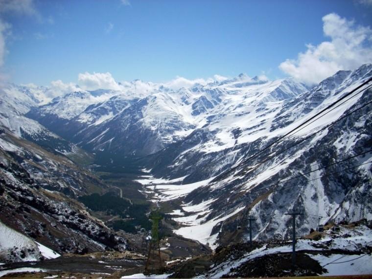 Заблудившиеся вгорах Кабардино-Балкарии туристы найдены