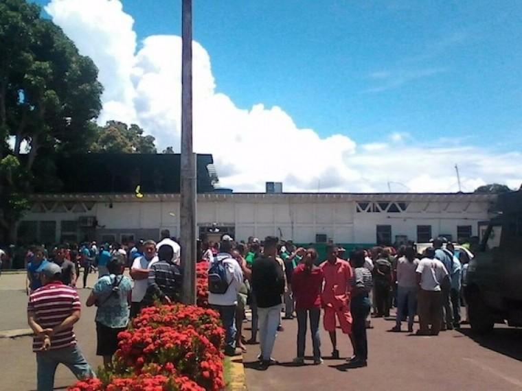 37 заключенных погибли вовремя подавления тюремного бунта вВенесуэле