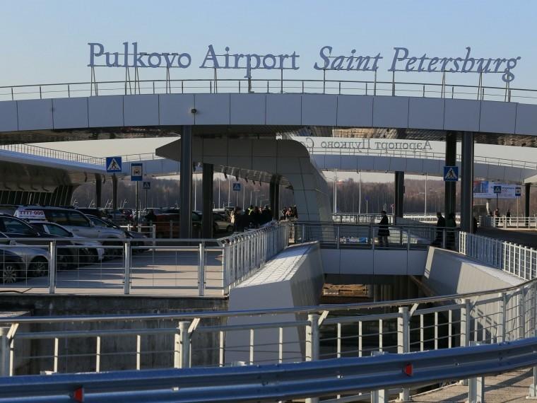 ВПулково предложили виртуально прогуляться поаэропорту иподняться наборт самолета