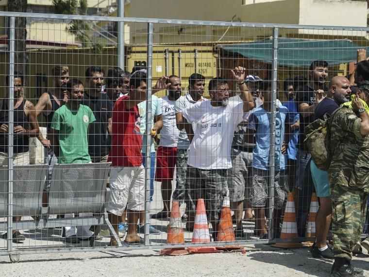 Румыния готова забрать почти 2 тысячи беженцев изГреции иИталии