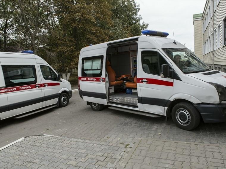 ВПетербурге шестилетнего мальчика, гулявшего водиночестве, увезли вбольницу