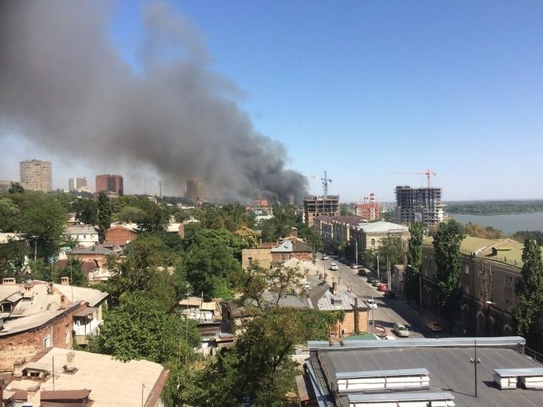 Мощный взрыв произошел наместе пожара вРостове-на-Дону