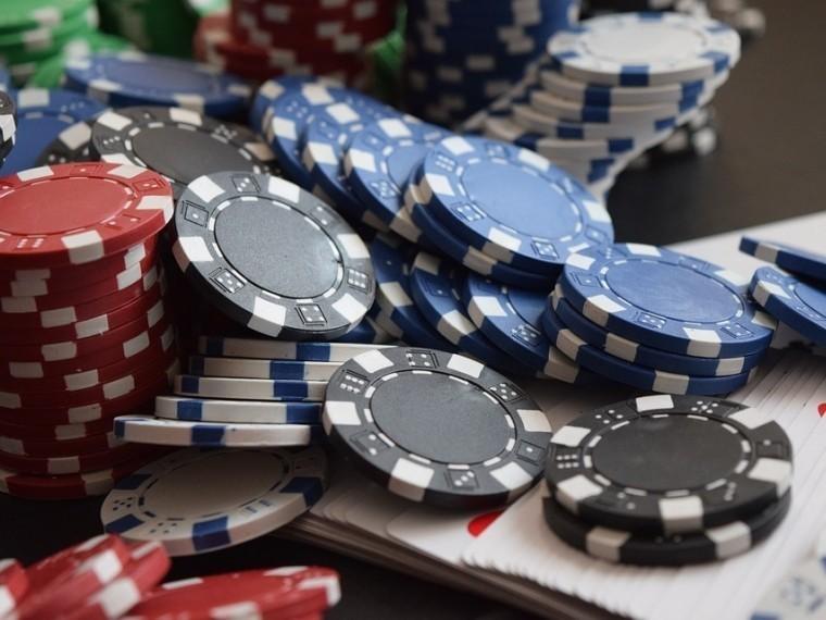 Житель Белоруссии выиграл вонлайн-казино более 2,4 миллиона долларов