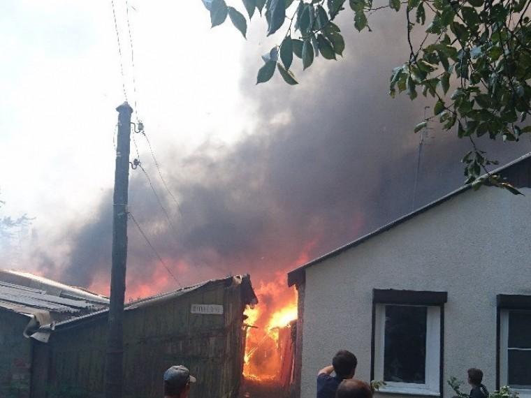 Пожар вРостове-на-Дону охватил уже 20 домов