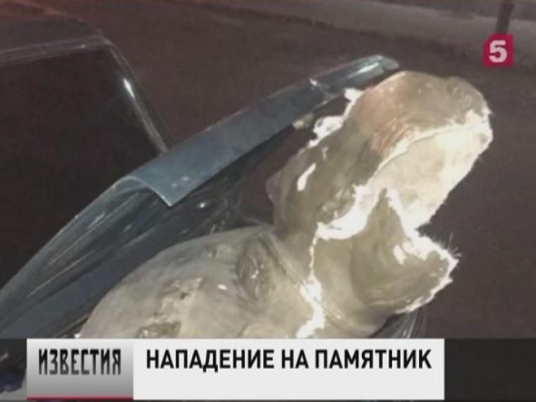ВОдессе вандалы повредили бюст советского маршала Георгия Жукова