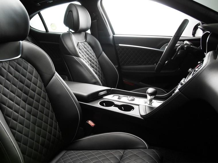 Новый премиум-седан Hyundai владельца узнает попятой точке