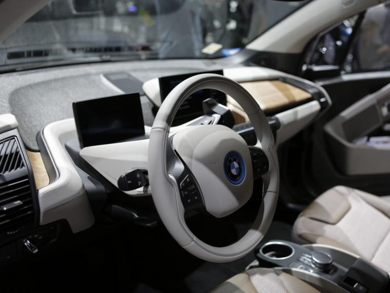 BMW заменитключи зажигания наприложения для смартфона