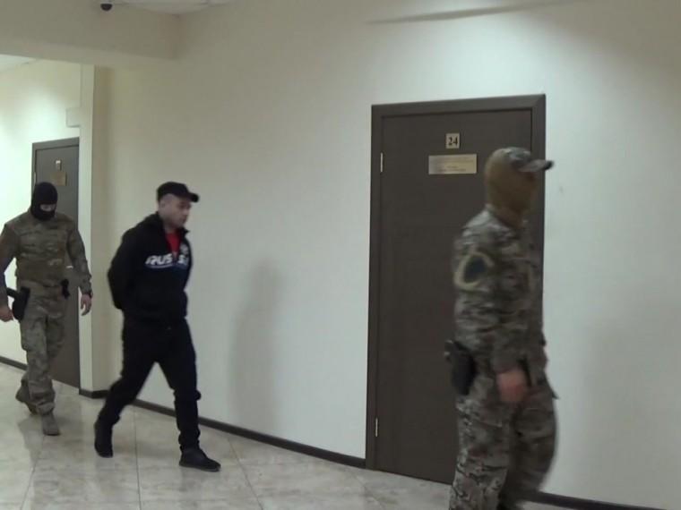 Пятый канал публикует первое видео спредполагаемым убийцей пауэрлифтера Андрея Драчева