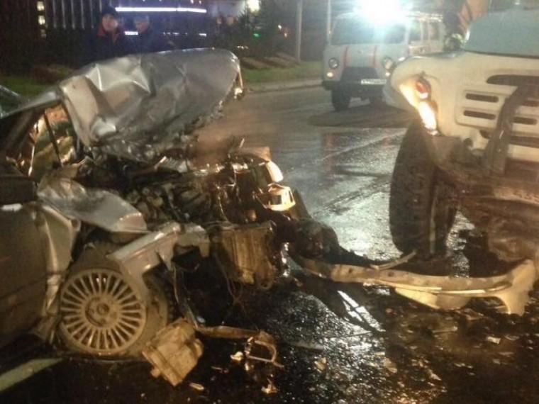 Очевидцы опубликовали первые фото жуткого ДТП вМагадане
