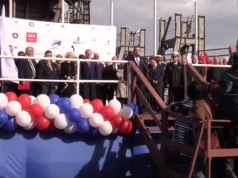 Спуск наводу мощнейшего вмире ледокола «Сибирь»— прямая трансляция изПетербурга