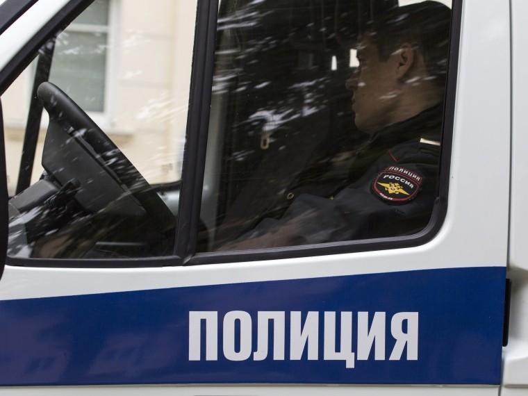 Инкассатор вМоскве случайно выстрелил себе вголову