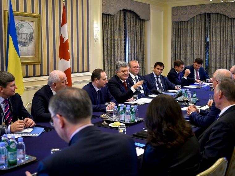 Порошенко попросилподдержки Канады вужесточении санкций против России