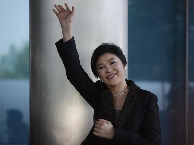 Полицейские рассказали, как помогли сбежать изстраны экс-премьеру Таиланда