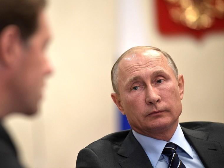 Эксперт: Владимир Путин ищет губернаторов, которые услышат народ без «Прямой линии»