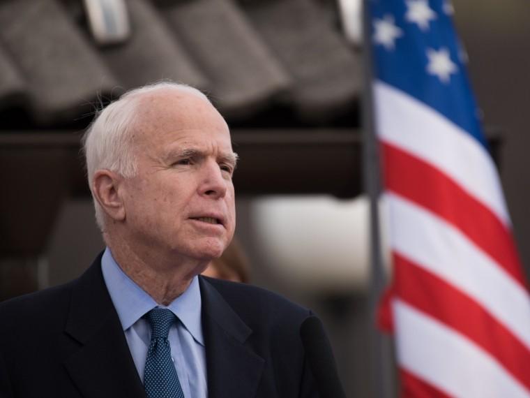 Борящийся сраком Маккейн рассказал о«плохих прогнозах» врачей
