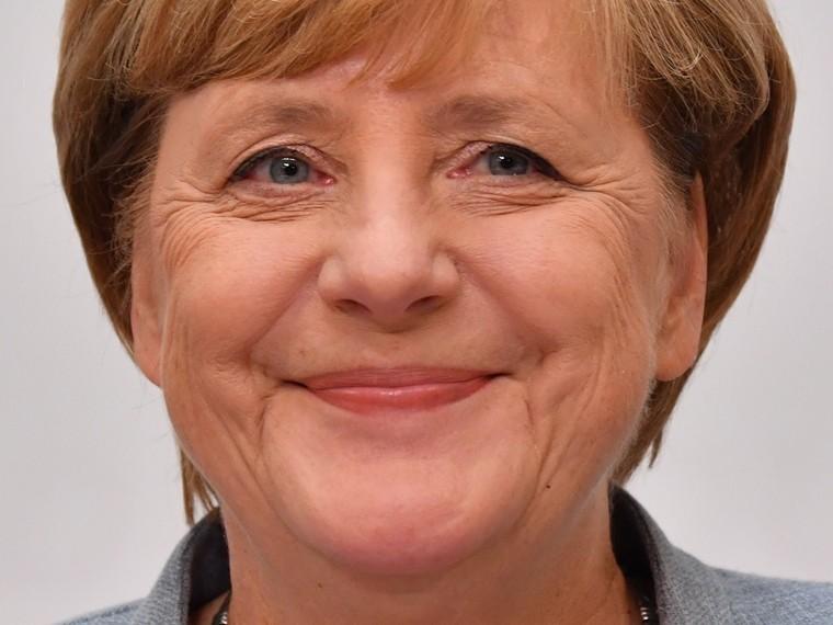 Владимир Путин поздравил Ангелу Меркель спобедой ееблоканапарламентских выборах