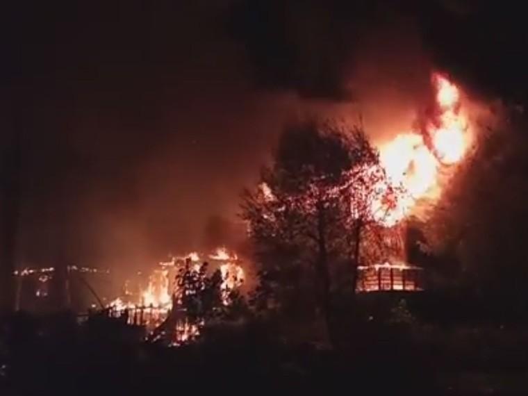 воронежской области жуткий пожар уничтожил поселок рыбаков