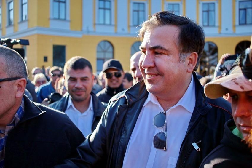 Саакашвили пообещал президенту Порошенко импичмент