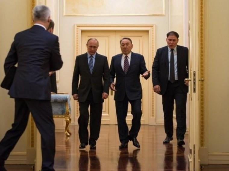 Назарбаев признался внезнании иностранных языков
