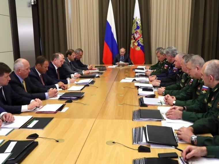 Правительство США отказалось выдавать визы российским военным