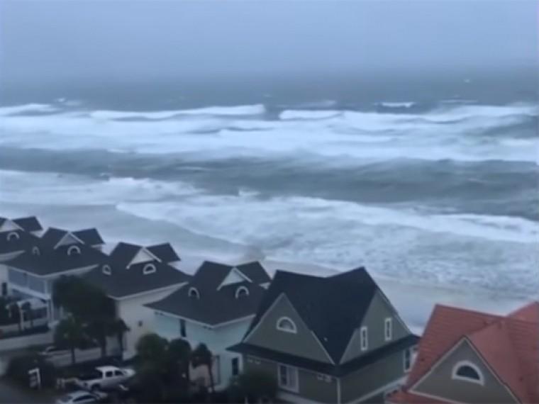 ВВеликобритании ждут «Офелию» ивспоминают смертельный ураган 30-летней давности