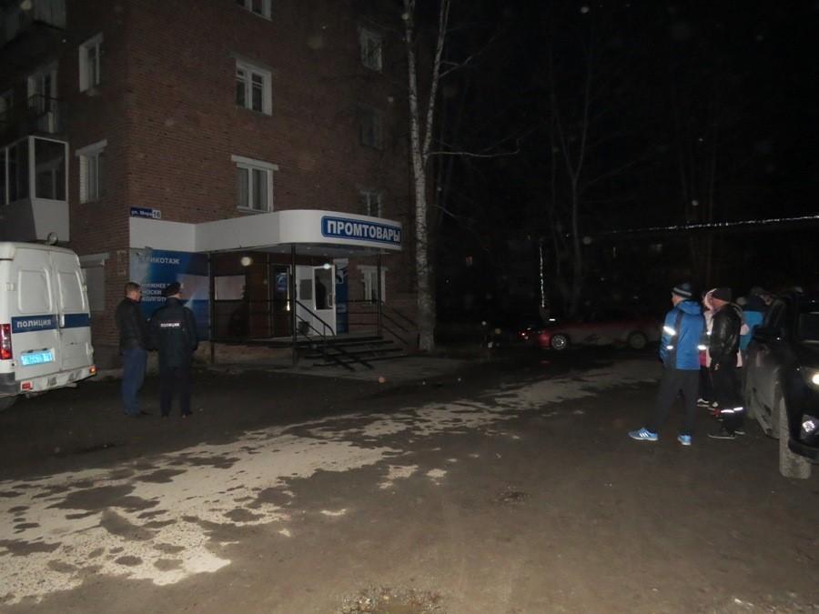 Полицейские наУрале погорячим следам задержали убийц 2-х женщин-продавцов
