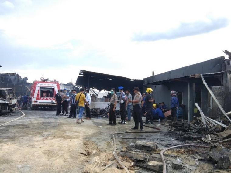 Нафабрике фейерверков вДжакарте вовремя пожара погибли 23 человека