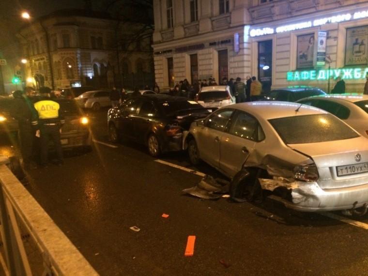 центре петербурга произошла массовая авария