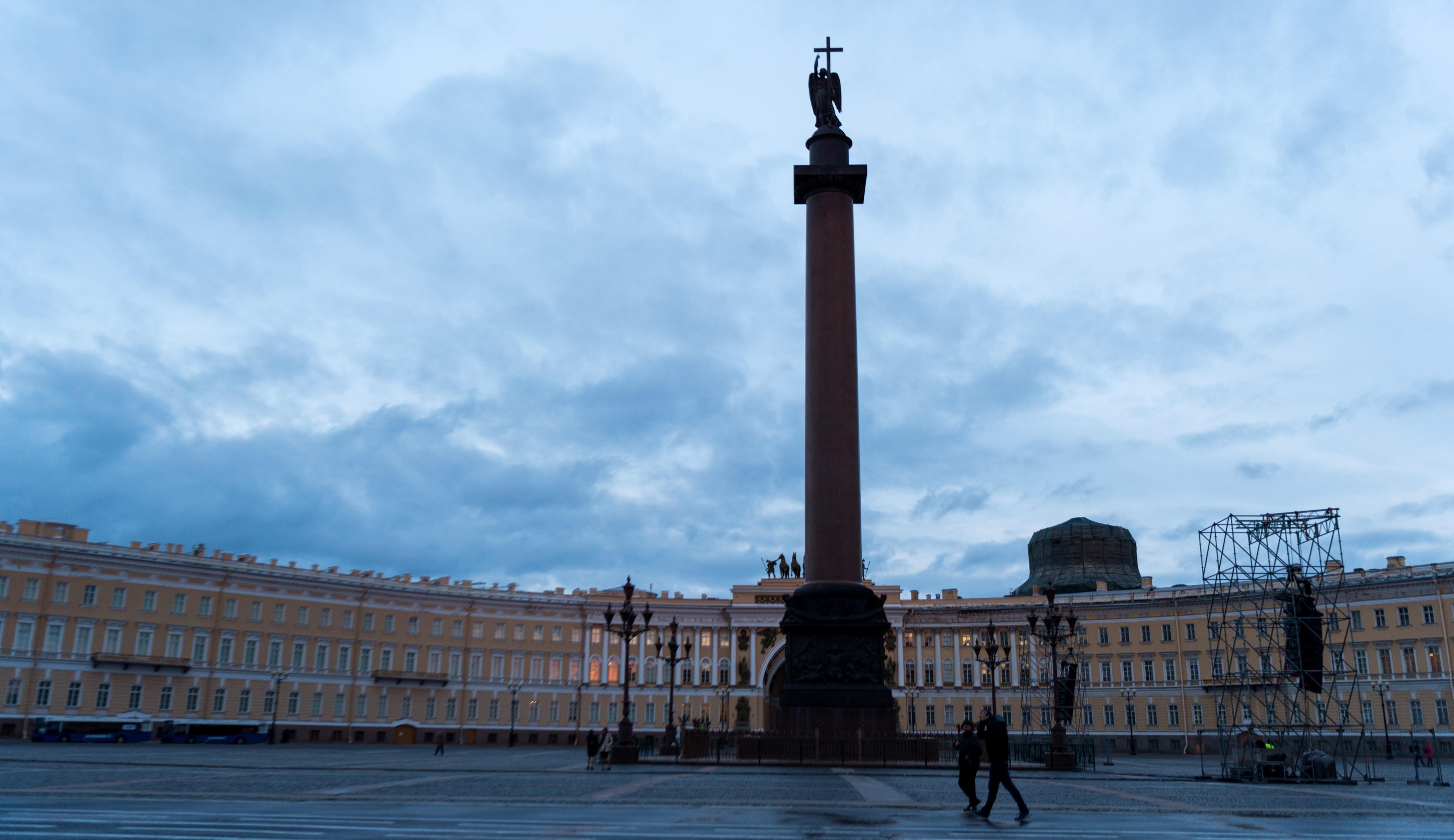 МЧС предупреждает осильном ветре вСанкт-Петербурге всубботу